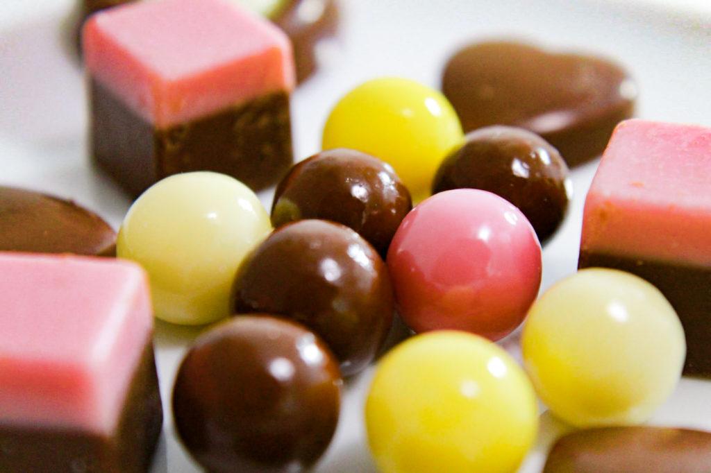 ボールとキューブのチョコレート
