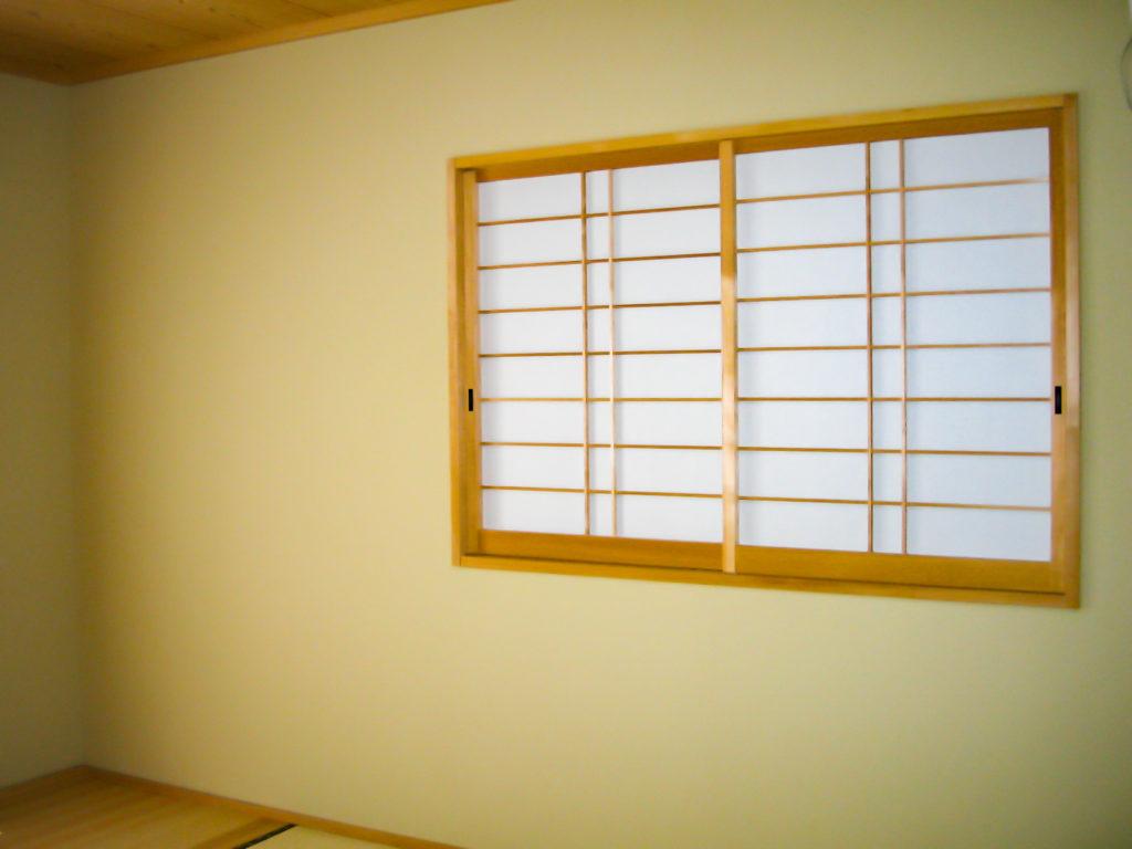 障子の小窓