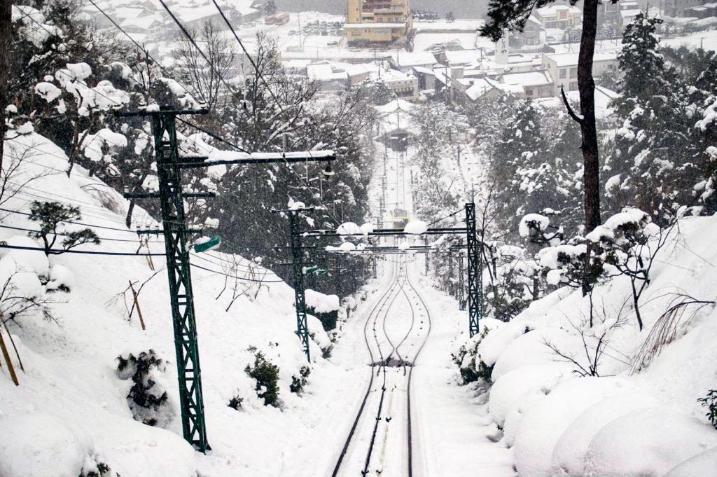 ロープウェイから眺める雪景色
