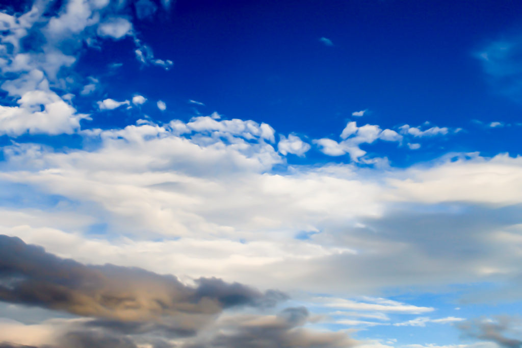 台風通過直前に撮影した空