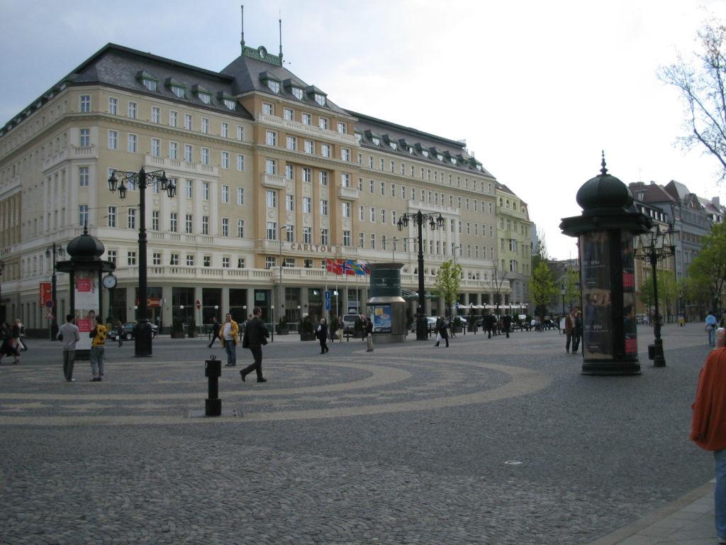 スロバキア国立劇場前