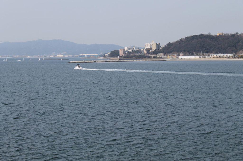 蒲郡の三河湾を海上から撮影