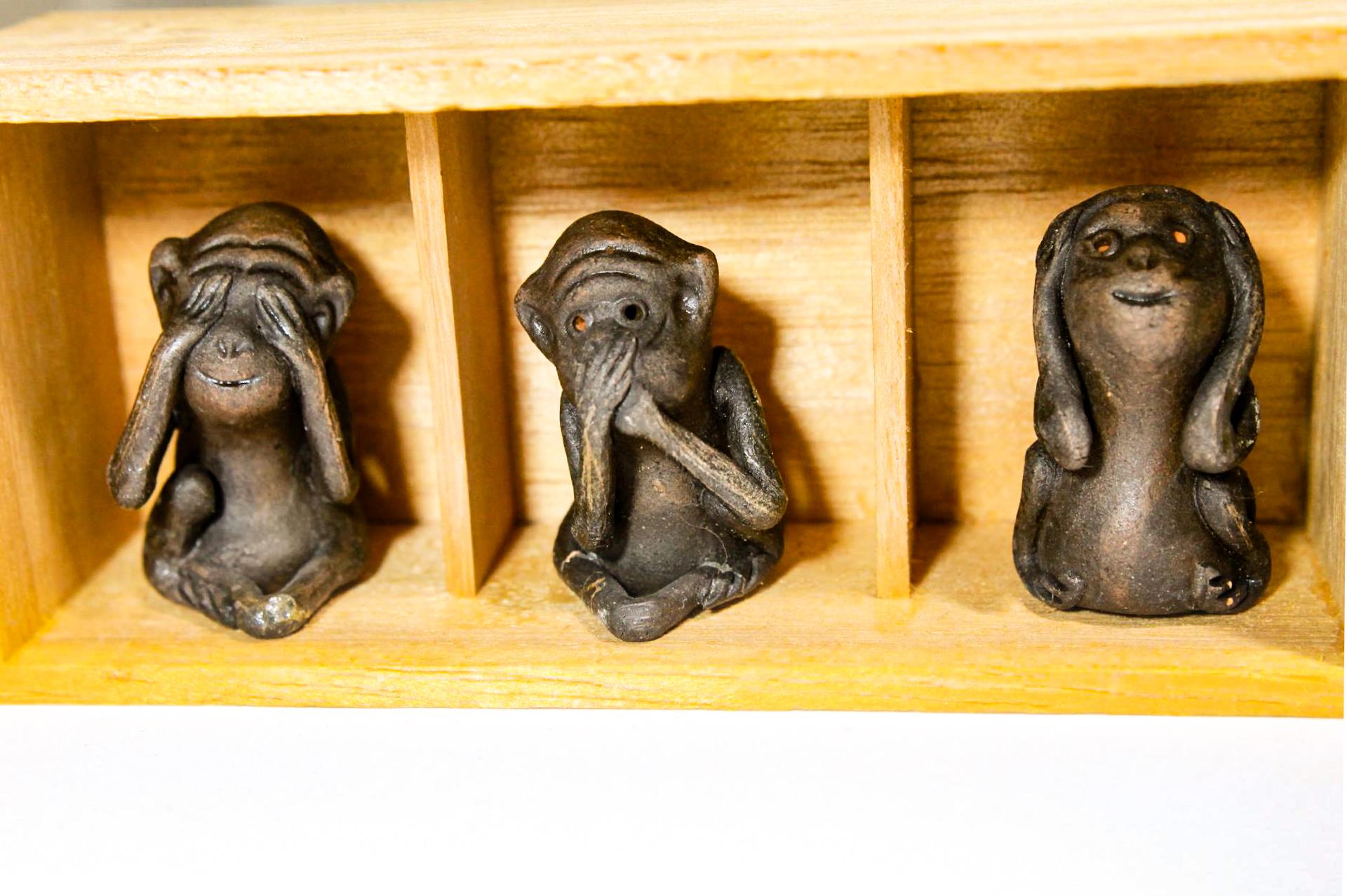 三猿 民芸品 木箱入り