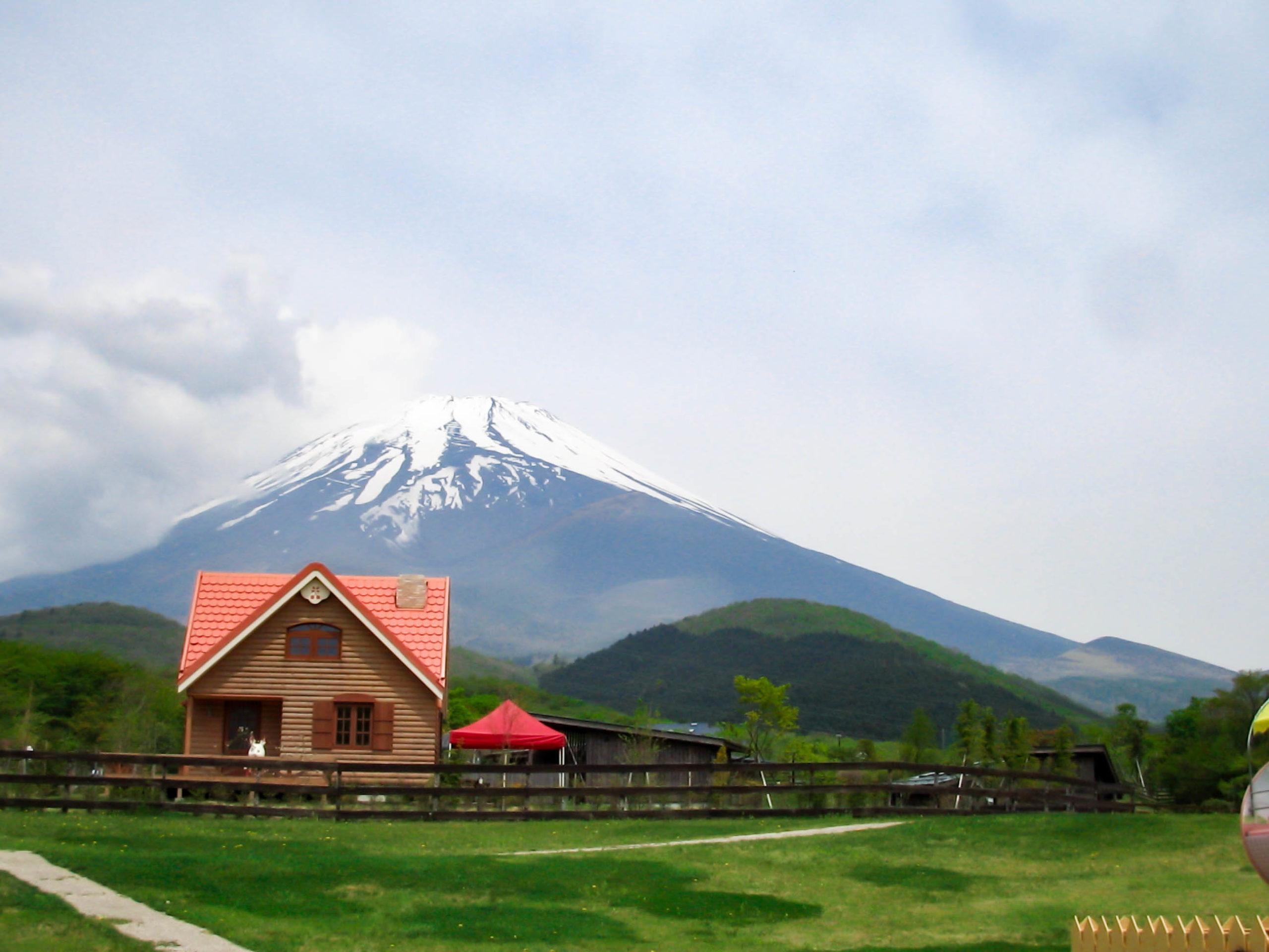 こどもの国から富士山の眺めの写真